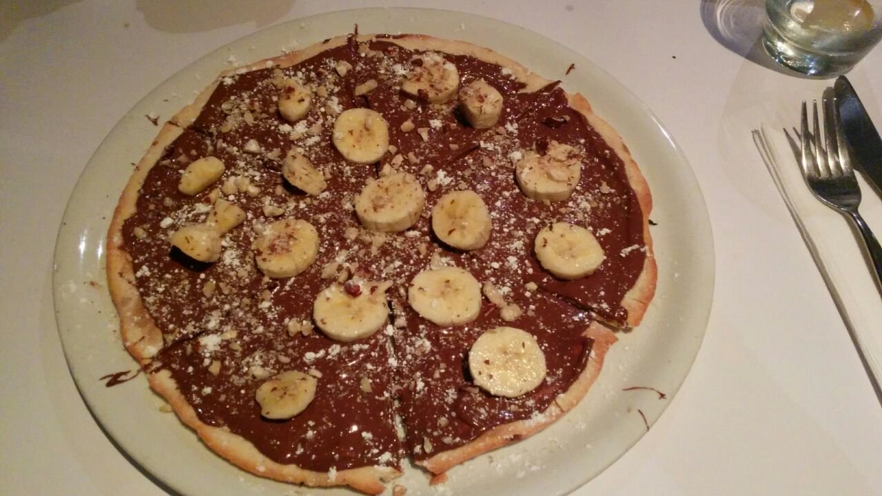 Pizza nutella – Recept voor pizza met Nutella, banaan en hazelnoot