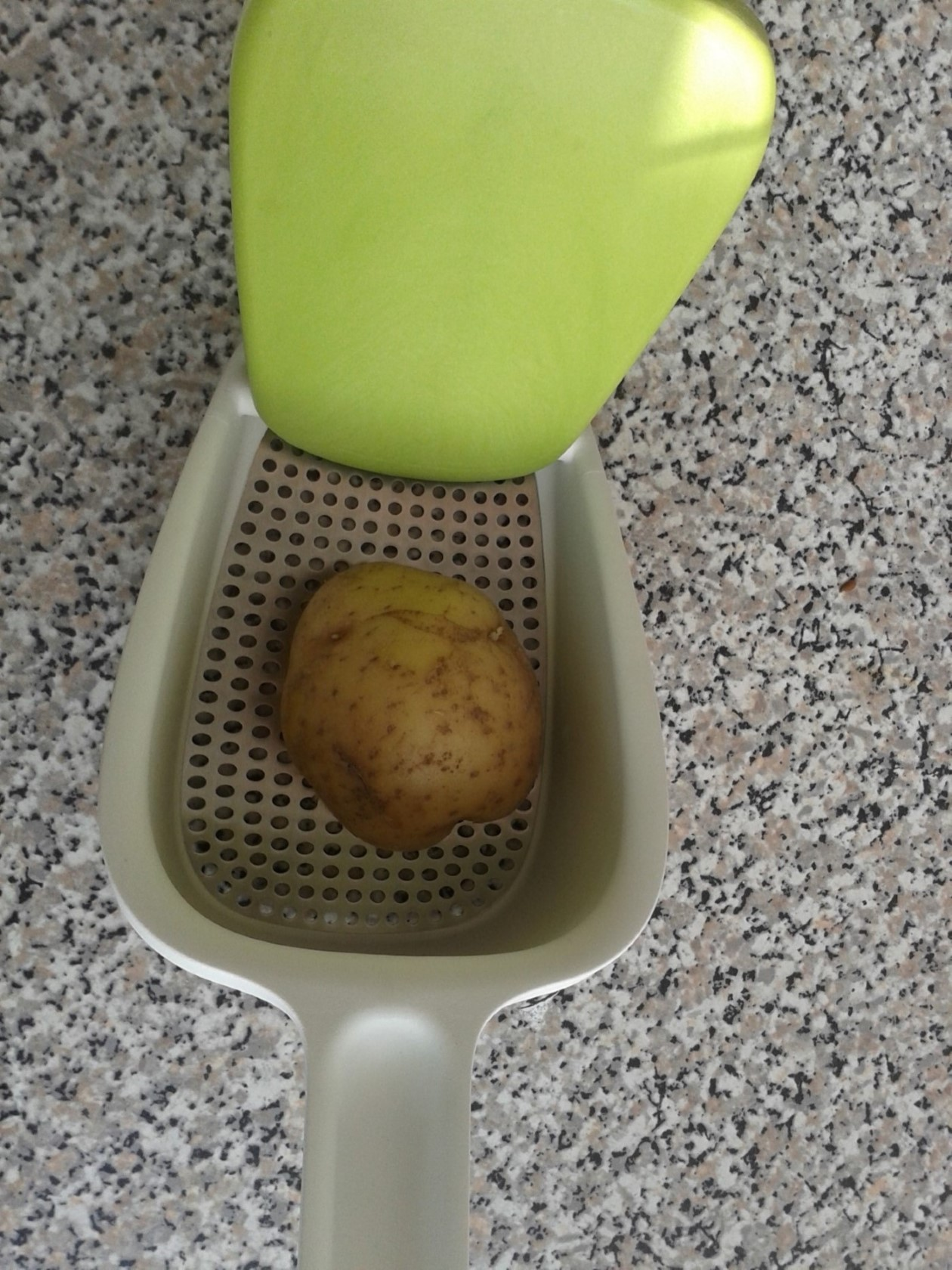 Aardappelpers Review Van Josephjoseph Voor Het Maken Puree Verschil Koekenpan Of Airfryer
