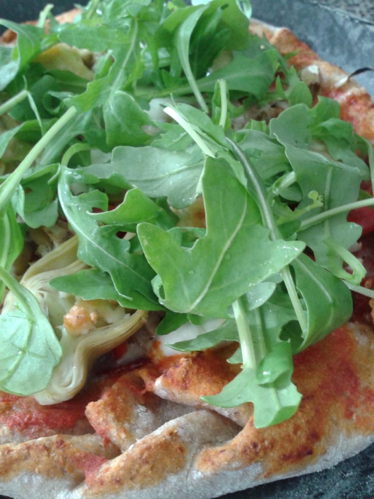 Volkoren pizza – Pizza maken met volkorenmeel in een keukenmachine