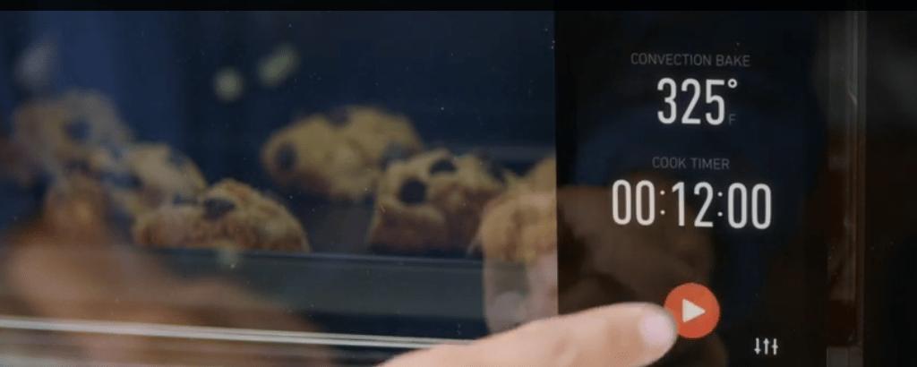 Intelligente oven zoekt de juiste bereiding voor wat je er in stopt