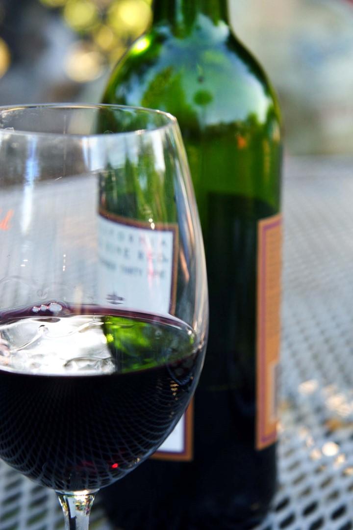 Feestmaaltijd: wijn en spijs