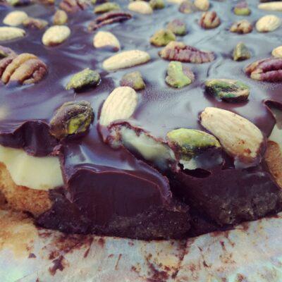 Cake met klop klop en chocolade ganache